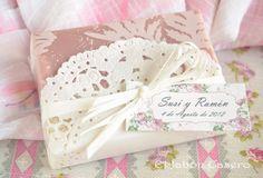 El Jabón Casero: Jabón de Rosas. Detalles de boda en blanco y rosa.