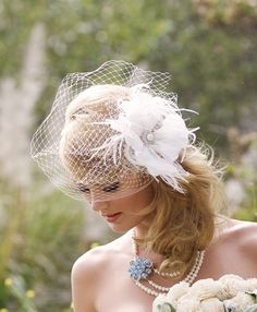 24089d694ad2 Floral Hair Accessory - Ivory Bridal Veil - Feather Fascinator - White  Birdcage Veil - Veil with Fascinator - Blusher Veil - Pearl Headpiece