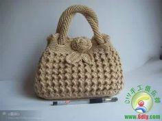 Como tejer fácil y rápido una cartera para fiesta - tutorial crochet in Spanish - YouTube