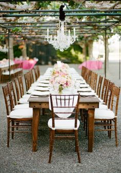 gorgeous outdoor dinner before wedding - perfect for bringing both families and friends together. Cute Wedding Dress, Fall Wedding Dresses, Perfect Wedding, Dream Wedding, Wedding Flowers, Long Table Wedding, Wedding Reception, Reception Ideas, Garden Wedding Decorations