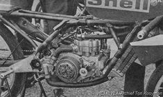 valentino rossi as a child Engineering Works, Race Engines, Motorcycle Engine, 50cc, Valentino Rossi, Vintage Motorcycles, Cafe Racers, Grand Prix, Motorbikes