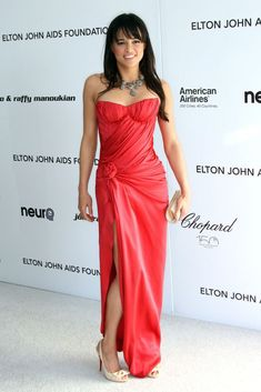Michelle Rodriguez Strapless Dress - Michelle Rodriguez's red strapless gown at the Elton John AIDS Foundation Oscar viewing party was a perfect blend of sexy and elegant. Michelle Rodriguez, Dom And Letty, Jessica Chastain, Hollywood Fashion, Beautiful Actresses, Girl Crushes, Actors & Actresses, Hollywood Actresses, San Antonio