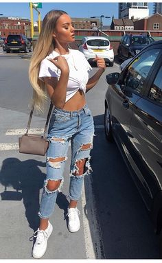 44 Awesome Ideas How To Wear A Ripped Jeans This season - Denim + Tee , ripped jeans + t-shirts , Distressed Denim,summer outfits,summer outfit ideas - Hair and Beauty eye makeup Ideas To Try - Nail Art Design Ideas Outfits For Teens, Trendy Outfits, Cute Outfits, Teen Fashion, Fashion Outfits, Womens Fashion, Fashion Spring, Dress Fashion, Fashion Clothes