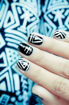 Nail Art How To: Turtle Shell Gradient Nails using OPI, Color Club, and Out the Door Northern Lights | Nail Tutorial, Nail Designs, Turtles, Ocean, Sponged, Ombre, Colorful Nails, Bundle Monster Stamping, Colors Frenzy Blog | Nail It! Magazine