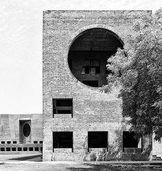 Indian Institute of Management,Ahmedabad, India, Built 1962-74Louis I. Kahn,©Cemal Emden