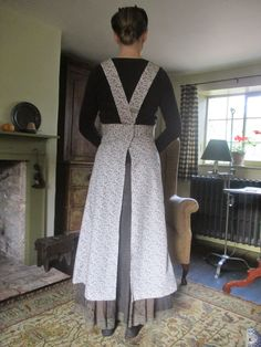 hm apron Country Living, Apron, Old Things, Cottage, Fashion, Country Life, Moda, Fashion Styles, Cottages