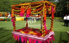 Sangeet Inspiration, perfect for an Indian Wedding Indian Wedding Decorations, Flower Decorations, Indian Weddings, Arabian Nights Theme, Holi Party, Indian Theme, Traditional Indian Wedding, India Colors, Desi Wedding