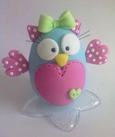 Would make for a cute owl themed cake Polymer Clay Figures, Fimo Clay, Polymer Clay Projects, Polymer Clay Creations, Clay Crafts, Fondant Animals, Clay Animals, Owl Parties, Clay Owl