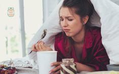 ¿Sientes que estás comiendo demás? Aquí la razón y algunas maneras de controlar los antojos. El comer por ansiedad es super común. Positive Mindset, Positive Attitude, How To Stop Stress, Stress Eating, Negative Thinking, Feeling Hungry, Choose Joy, Stressed Out, Weight Loss Goals