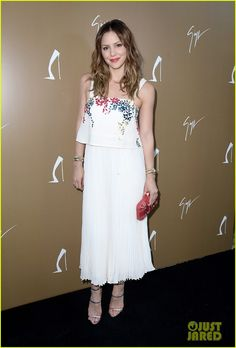 Katharine McPhee in an Elle Sasson dress, an Emm Kuo clutch, and Marina B jewelry.