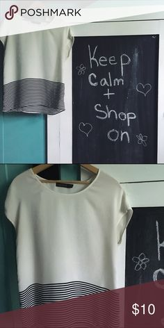 Super cute shirt This is a super chic and flowy shirt! It's super easy to style but is also cute enough to be left by itself! Super super super tiny mark The Limited Tops Blouses