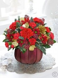 This pretty flower basket in radiant red and gold makes a very charming Christmas gift that brings a burst of colour to enhance any home. Beautifully arranged and ready to display straight away, they're sure to be overjoyed with your thoughtfulness Christmas Flower Delivery, Best Flower Delivery, Online Flower Delivery, Flower Delivery Service, Valentines Flowers, Mothers Day Flowers, Christmas Flowers, Christmas Decorations, Online Flower Shop