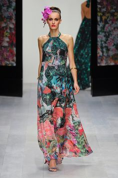#Maxi #Dress Magic! If you have the same personal colour palette as this model (hair, skin tone, eyes) then find these colours and wear them! Stunning. Figure Flattering Dresses Spring/Summer 2013