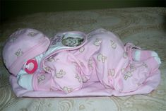 Sleeping baby diaper cake - love this one