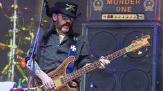 Lemmy Kilmister, le leader du groupe Motörhead, le 26 juin 2015 à Glastonbury (Royaume-Uni). | JIM ROSS / AP / SIPA