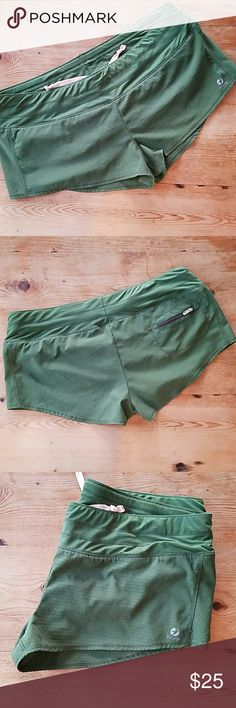 Oiselle Mac Rogas Embossed Embossed Mac Rogas in a size 8. Great condition. Olive green. oiselle Shorts