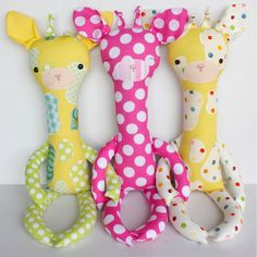 I LOVE THESE DOLLS!! Easy to sew, kids LOVE em! Christmas dolls in my future :)
