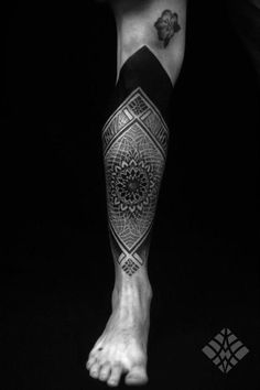 dotwork and blackwork | Body Art on We Heart It