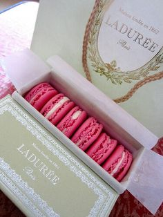 Go to Laduree and buy macaroons in cute boxes!!