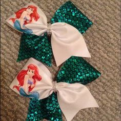 Princess Inspired Bows hand made with mystique Spandex and Rhinestone center tie! Select your favorite princess! Disney Hair Bows, Kids Hair Bows, Baby Girl Bows, Girls Bows, Cute Cheer Bows, Princess Hair Bows, Bow Template, Hair Bow Tutorial, Baby Girl Accessories