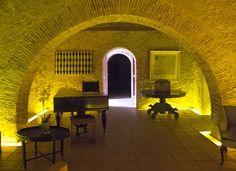 portugal  ; No interior do edifício da Quinta da Bacalhôa fica parte da colecão de obras do…