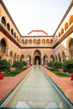 The Royal Alcazar in Seville, Spain. Check out this quick itinerary for where to visit on your short trip to Seville! #seville #travel #spain