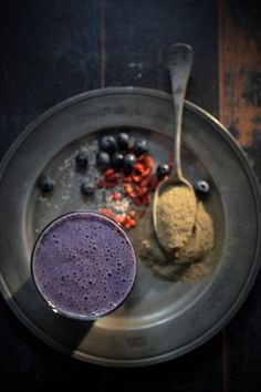 Superfood Energy Smoothie - The Healthy Chef - Teresa Cutter Juice Smoothie, Smoothie Drinks, Smoothie Recipes, Healthy Chef, Healthy Treats, Healthy Juices, Healthy Eating, Energy Smoothies, Superfood Smoothies