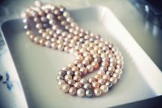 Fabulous metallic pearls in a variety of captivating colors... <3 <3