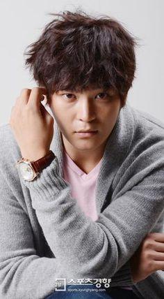 Level 7 Civil Servant ♥ Joo Won as Han Gil Ro / Han Pil Hoon
