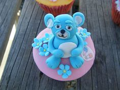 baby cupcakes by Lisa Templeton, via Flickr
