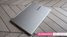 Samsung's gone and done it guys. It's made a perfectly wonderful laptop that retails for under a grand, is of exceptional quality, and is neither under-powered nor teeming with crappy finishes. This is the college-bound laptop everyone, including Apple, has failed to make for the last couple of years.