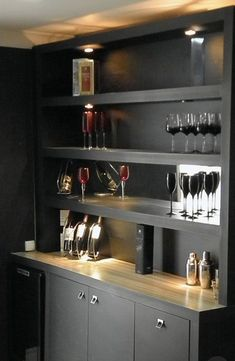 Mini bar luxo preto This board is about home bar counters, bar counter ideas, bar counter designs and small bar counter Home Bar Rooms, Home Bar Sets, Diy Home Bar, Modern Home Bar, Home Bar Decor, Home Bar Counter, Bar Counter Design, Mini Bars, Living Room Bar