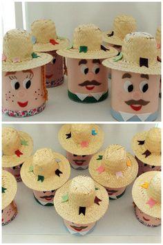 Esses caipirinhas foram feitos com latas de leite em pó, para enfeitar as mesas dos convidados. www.facebook.com/kfofodasartes