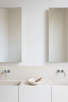 Vola wall mount faucet | bath design. Hans Verstuyft Architecten