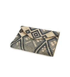 This Large Envelope Clutch from Banago is made of 100% wild sea grass handwoven and hand embroidered by artisans in the Pacific Islands into a beautiful diamond pattern with a batik fabric inner lining. Why we love Banago? Banago creates sustainable jobs and gives a portion of proceeds to support the local Pacific Island communities and their households.