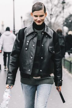 What is the most stylish way to get dressed for winter? Here are the best winter jacket outfits from the street style scene. Boyfriend Jeans, Couture, Best Winter Jackets, Amai, Skinny, Sweater Jacket, Grey Sweater, Winter Dresses, Get Dressed