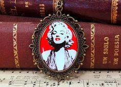 Collar Marilyn Dessin