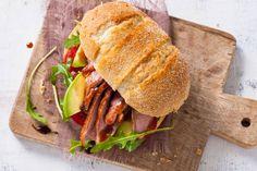 Eendenborstfilet is zo makkelijk te bereiden dat je het prima ook als lunch kunt serveren - Recept - Allerhande