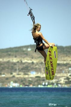 Girls in motion Collection kite surf girl by adoscool.com 2015