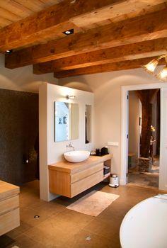Bathroom design by @badarsenaal   Prachtig badkamer ontwerp door Janine Dongen Bad Arsenaal. Luxe and comfort! #bathroom #design #badkamer #ontwerp