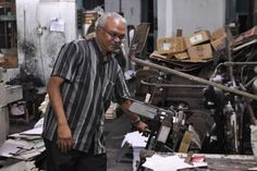 This printers and stationers firm was founded in 1935 by Dato' S. Letchumanasamy. Despite the many changes in printing technology – from Romanised to Tamil moveable types, to linotype, to offset lithography – the Jothie firm still use their old printing machines till today. They were the first to produce locally made diaries, and has continued to specialise in bookbinding and making handmade accounts ledgers. The printing business is now run by his son.