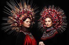 Ukrainian Women Bring Back Traditional Floral Crowns To Show National Pride A Slavic workshop of stylists and photographers called Treti Pivni have decided to bring back one of the more amazing Ukranian traditions by giving it a new meaning. They've produced a portrait series of modern Ukranian women dressed in traditional Ukranian floral headdresses.