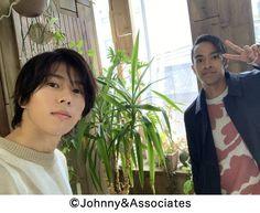 Johnny's Web, Instagram