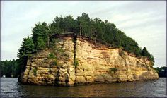 Lower Dells on the Wisconsin River (Article - The Quiet Side of the Dells)