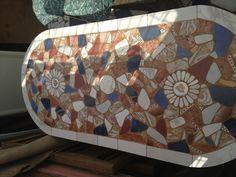 Mesa de mosaico hecha por Nongo