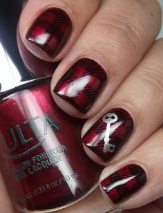 Gorgeous red-and-silver nails - Hallowe'en, or with a different accent design, Christmas. I adore the burgundy color! xx