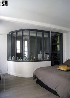 Verriere atelier pour éclairer une salle de bain. - #home #bedroom #bathroom
