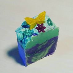 Flowers and butterflys of soap and a wonderful smell of violets will make you long for the long awaited spring. Long Awaited, Violets, Spring Time, Soaps, Decorative Boxes, Bloom, Butterfly, Make It Yourself, Flowers