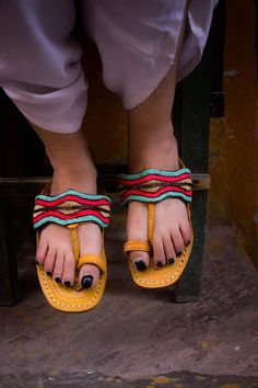 90c7ce59957e1 30 Best Ethnic Sandals by Enhara images in 2019 | Ethnic, Slipper ...