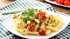 Come fare una pasta con gamberi, ortaggi e verdure